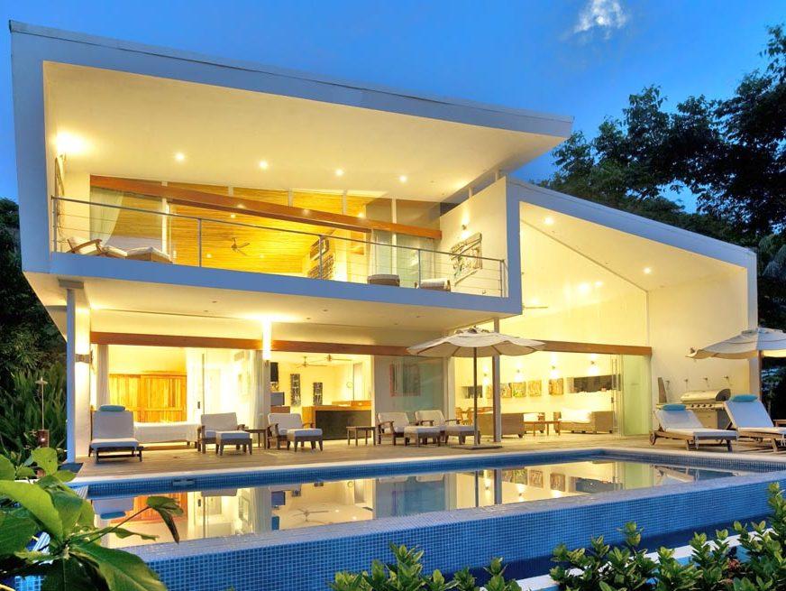 The White House and Villlas - Pure Trek Costa Rica